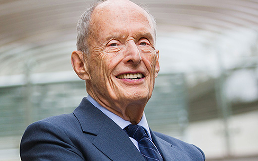 Head shot of Paul Greengard